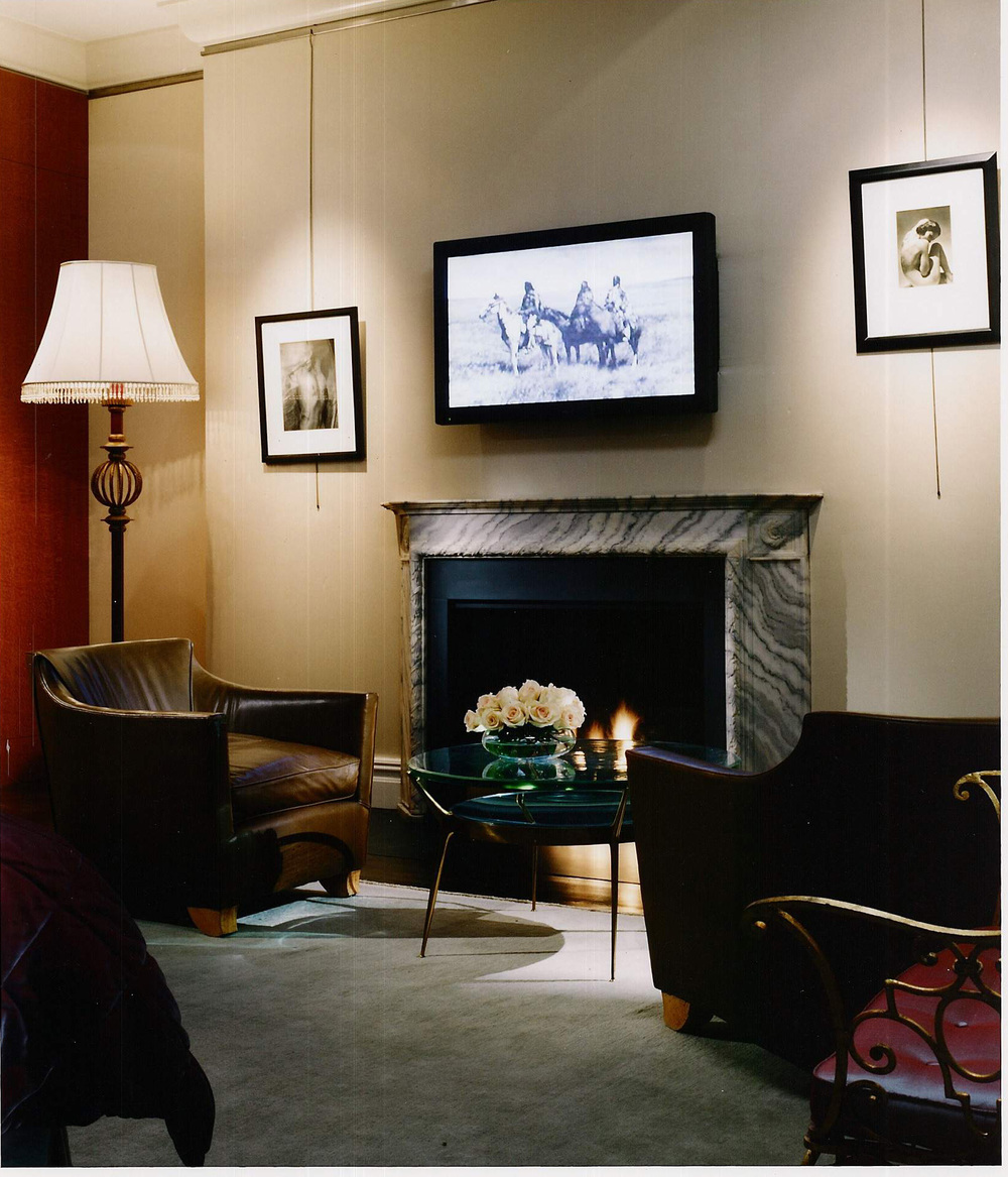 Master Bedroom - Fireplace.JPG