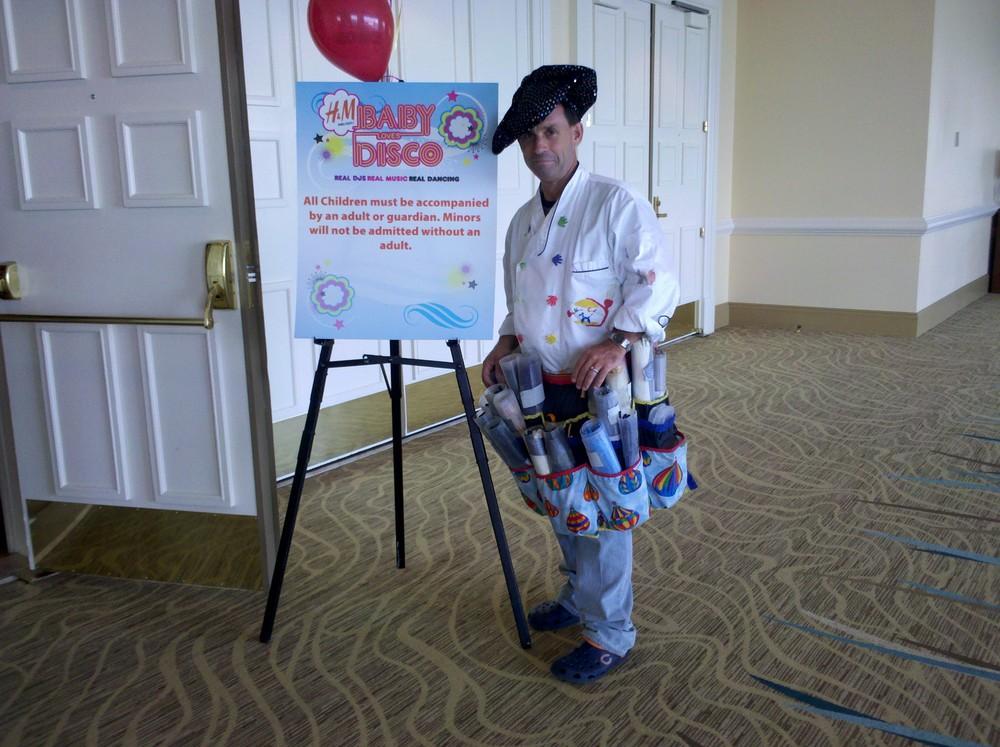 BalloonChefBabyLovesDiscoIMG_20110730_124639.jpg
