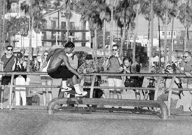 Skater: @miles_lee_2020 . #skate #skater #skateboard #skateboarder #skateboarding #venicebeach #veniceskatepark #skatephotoaday #skatephotography #photography #california #exit #choose2exit #where2exit @nikesb