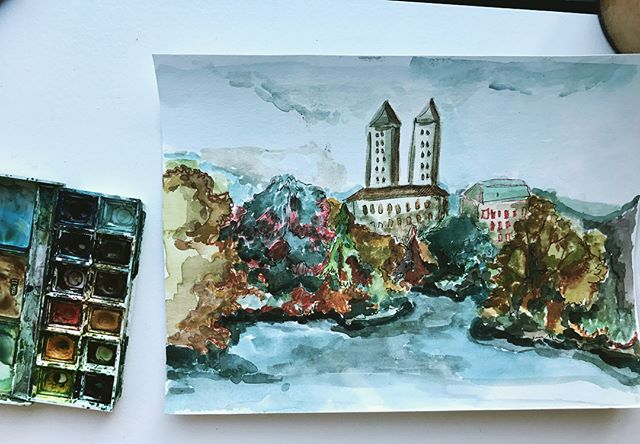 It's officially fall in the city! We welcomed October with some painting in the park 🍂🍂🐿 #newyorkart #watercolor #fall