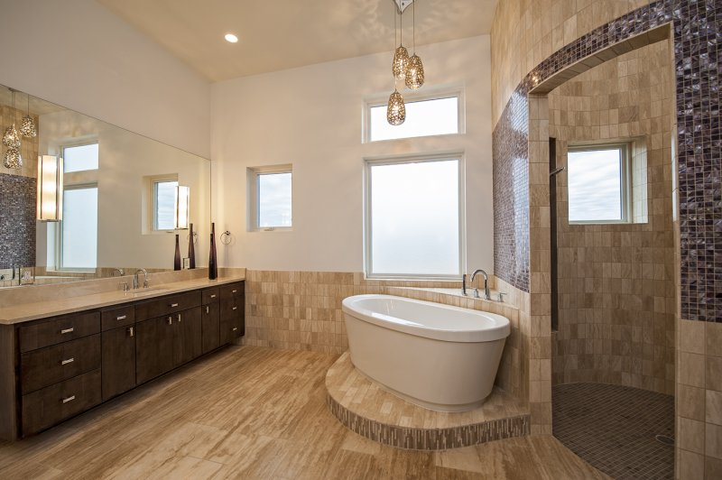 vein cut travertine bathroom.JPG