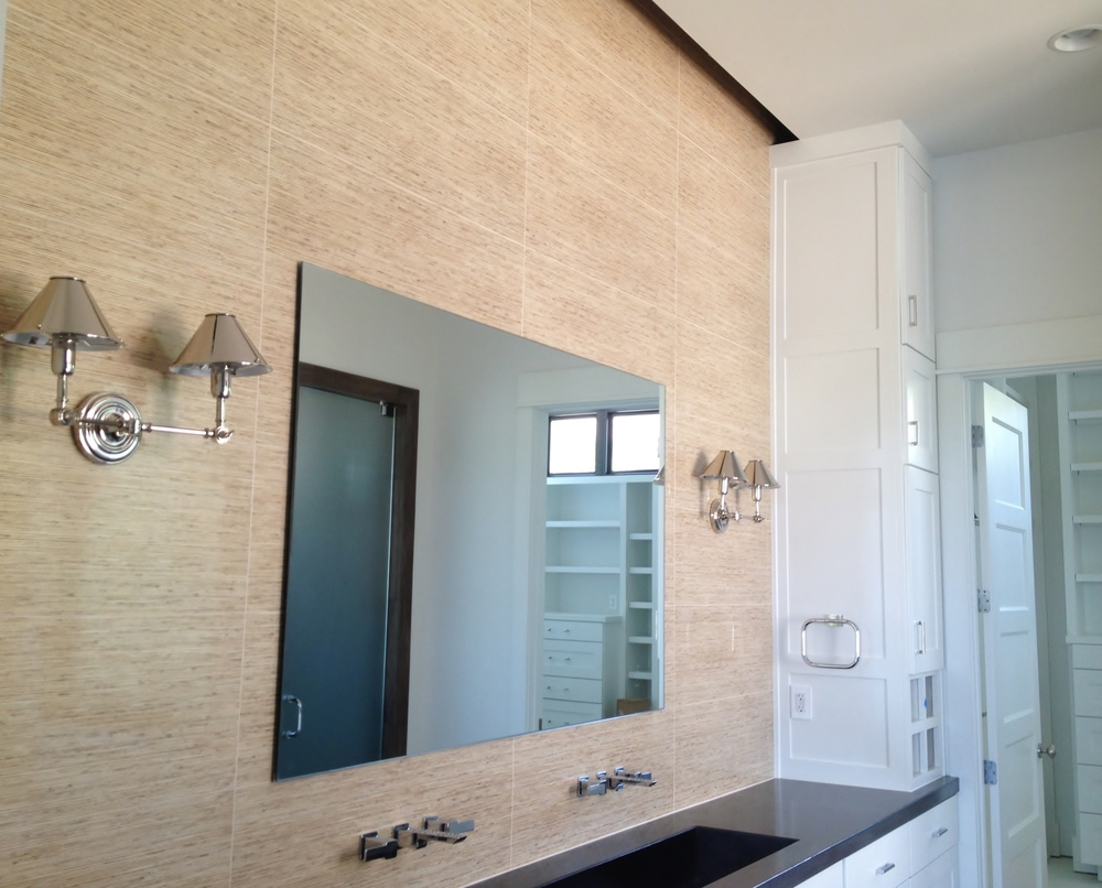 linear tile bathroom.jpg