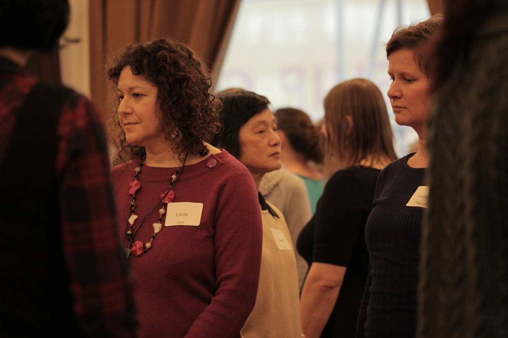 The group reconfigure themselves during the afternoon workshop. Image courtesy of the British Gestalt Journal.