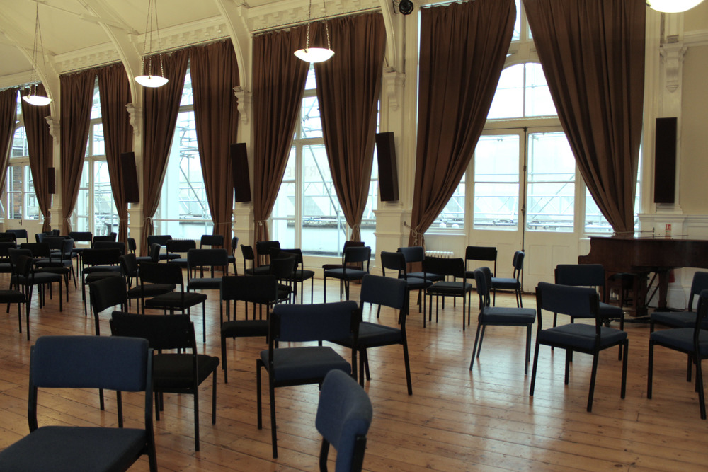 The set up of Susan's morning session.  Image courtesy of the British Gestalt J  ournal.   Image courtesy of the British Gestalt J  ournal.