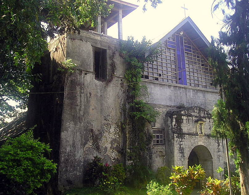 The Santo Rosario Church / Sagay