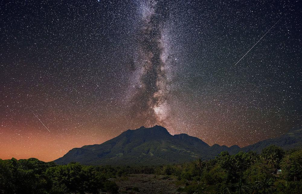 volcan-solo-con-estrellas.jpg