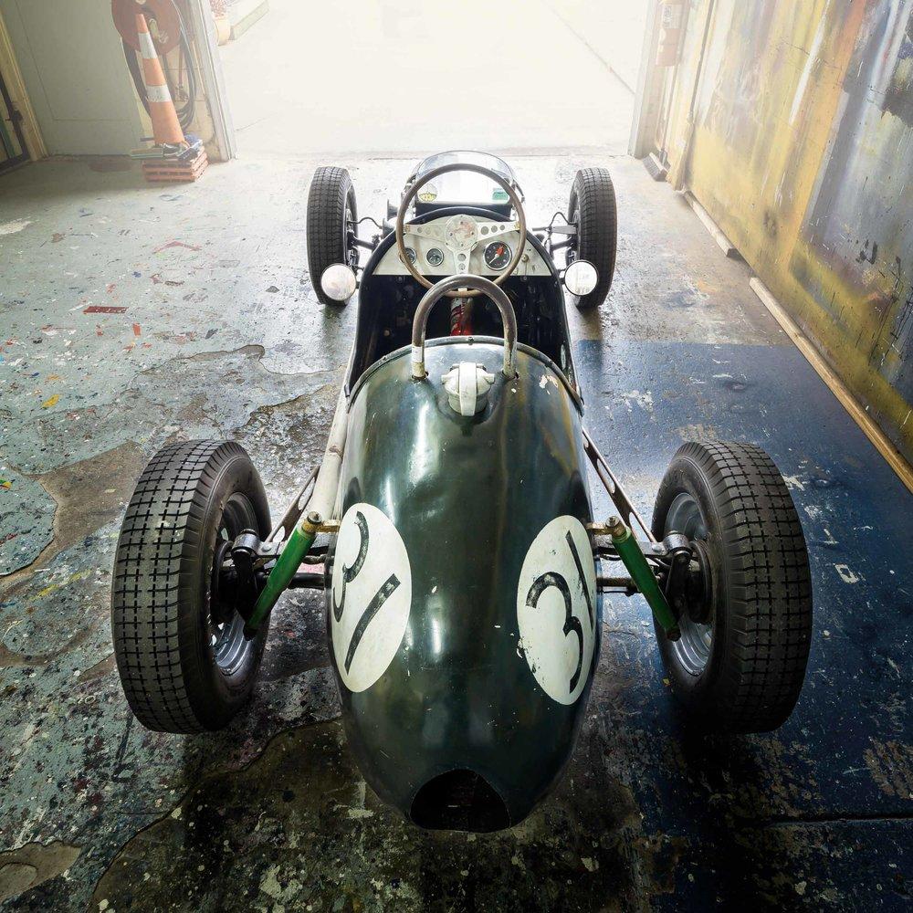 AmonA40-classic driver mag-camleggettphoto.jpg