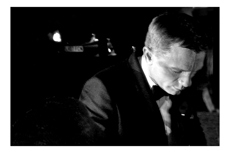 Daniel Craig, aka James Bond. 1 good photo out of 250 taken on the night is... still a good photo. I'm happy with this one. And if you're going to get just one (1) good photo at a James Bond premiere, you might as well have it be James Bond (or the main Bond Girl... obviously)