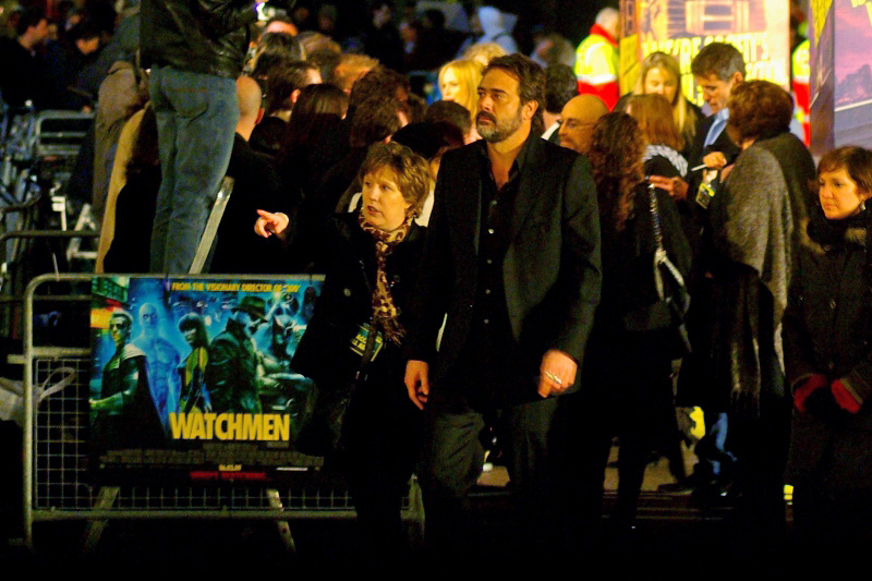 Jeffrey Dean Morgan's PA points to the entrance and (twenty minutes later) exit to the Odeon Leicester Square. Many people don't realise that it's quite rare for celebrities to watch the movie they're at the Premiere for. Because, like, they've got afterparties to see and Berlin to fly to.
