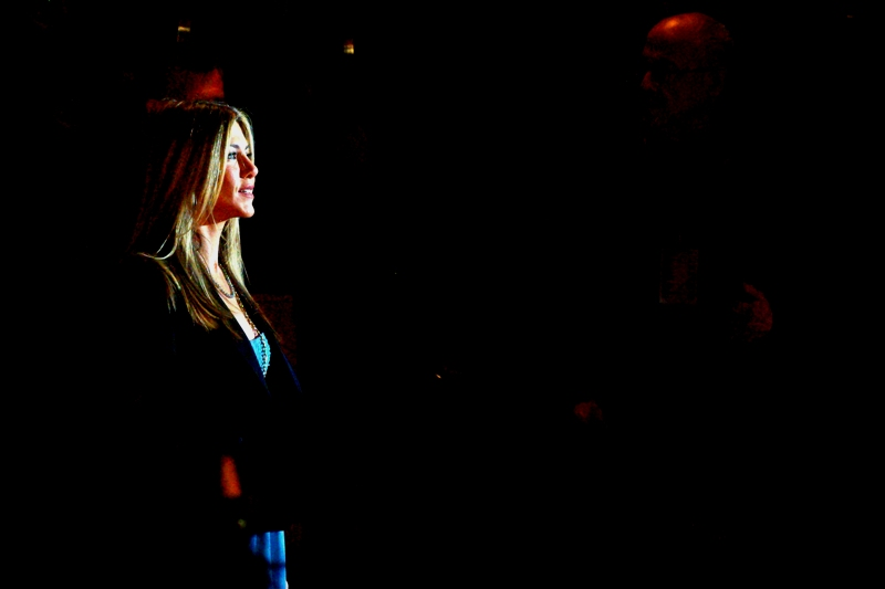 Jennifer Aniston escapes the gravitational pull of Owen Wilson momentarily. Also : big thanks to random paparazzi flash/muzzle/gunfire for some rather exciting lighting effects. And, sure, some heavy selective darkening in photoshop. But the lighting was real!!