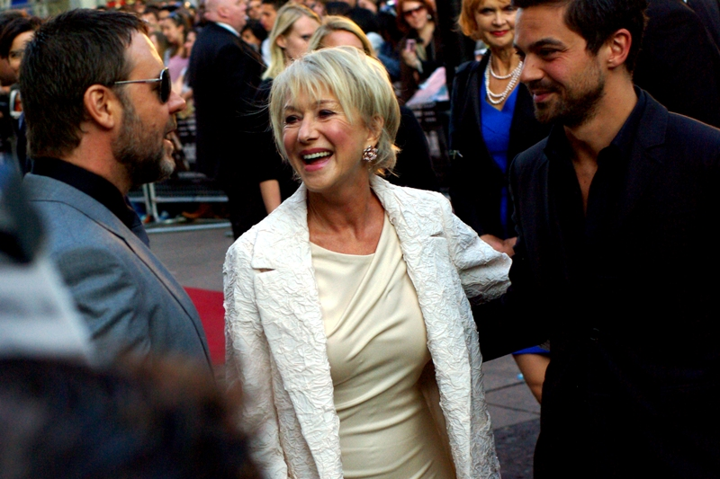 "Helen Mirren and Russell Crowe share a laugh (""Hahahaha"" ""Hahahahaha""). I hope it's at Ben Affleck's expense, just because."