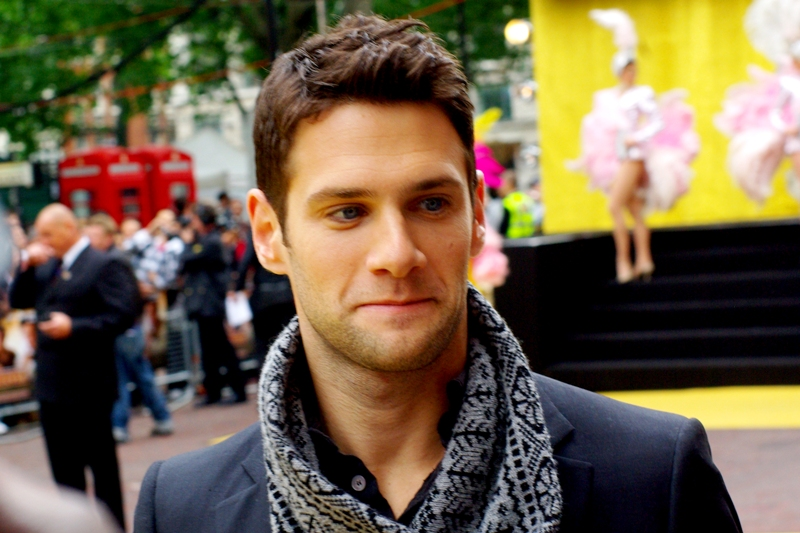 This, imdb informs me, is Justin Bartha. I was accordingly set to profess no knowledge whatsoever as to his existence up til now, but not quite true: he played Nic Cage's sidekick in the two National Treasure films. Very well, then...