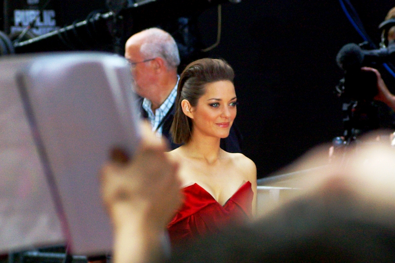 Marion Cotillard is a French actress who won a best Actress Academy Award in 2008 for 'La Vie En Rose'. That's some street-cred right there, for sure. But I'm not so shallow that I'm impressed by awards and fame. No, really, I think she's very pretty, too!