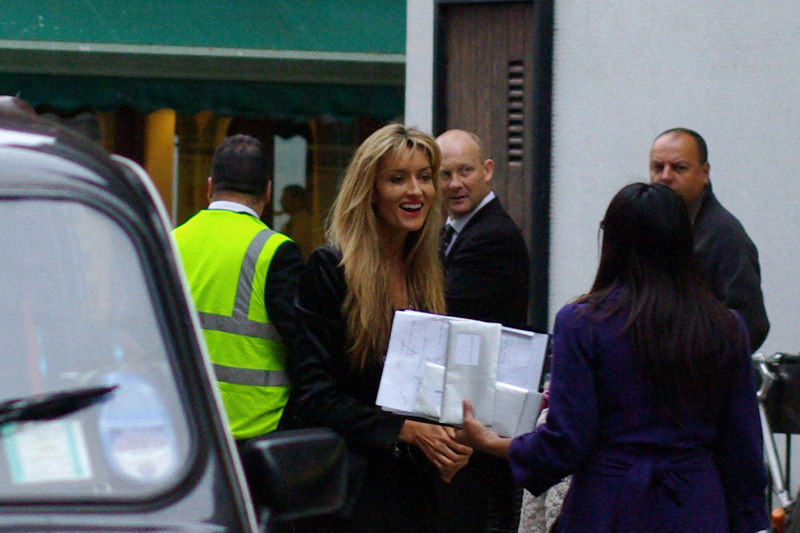 It's Natascha McElhone, who isn't actually in this film, but whom I'd recognise because I did watch 'Californication' where she was the female lead, as well as 'The Truman Show'. She didn't stop for autographs (some people apparently go to premieres just to watch the film... how weird!)