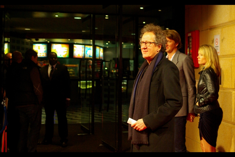If I may be honest, I don't think Geoffrey Rush looks like,…. erm, Geoffrey Rush unless he's wearing a giant hat with oversized feather and a monkey on his shoulder. He was of course Captain Barbossa in Pirates of the Carribean, and had roles in the movies 'Elizabeth', 'Elizabeth : the Golden Age' and 'Shakespeare in Love' - so older style costumes do tend to be the norm...