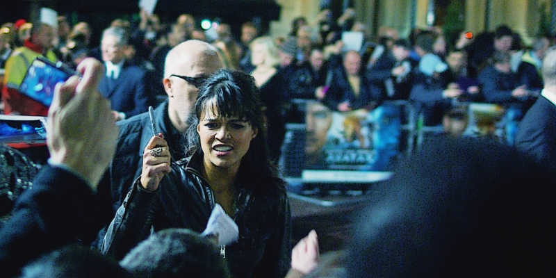 By my estimation Michelle Rodriguez broke  Nicole Kidman's 'record' from the premiere of Australia  for 'longest duration female autograph session at a movie premiere' at this one. She even opted not to steal the pen she was unaccountably left with - classy!