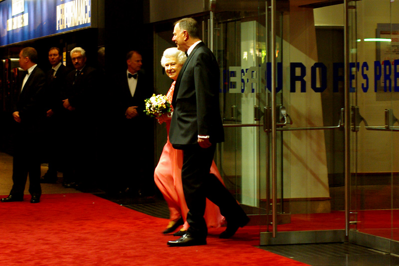 Actual eye-contact from the Actual Queen at the Royal Premiere of ' A Bunch of Amateurs '