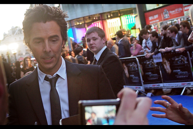 "Shawn Levy drops by to sign some autographs and pose. Sadly, he is backlit as I think you can notice from a lot of these photos. By which I mean.... ""art"""