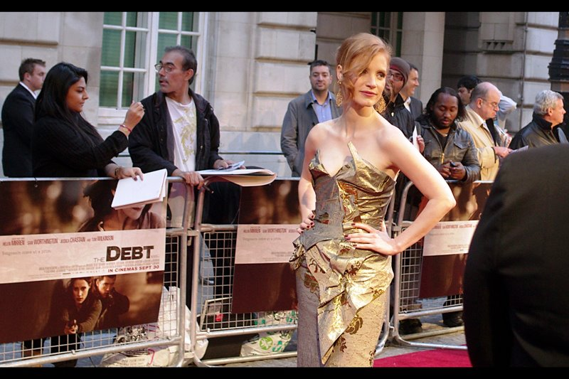 Actress Jessica Chastain is just breaking into acting (?!) - her recent credits are the US film 'The Help', the highly regarded 'Tree of Life' and the 2008 movie 'Jolene' where she plays the role of Jolene. That's all I've got. Except, you know...  Interesting dress