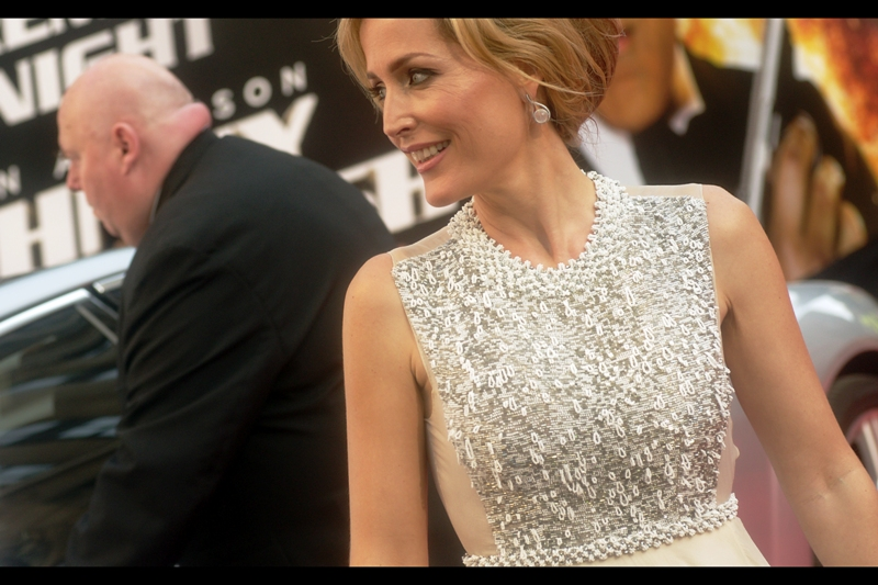 "Gillian Anderson says :  ""A thousand paperclips and zipper-ends gave their lives for this top, so enjoy it!"""