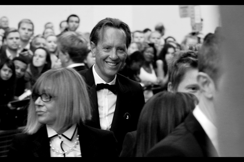 Richard E Grant arrives, looking rather unlike Richard E Grant. That's my fault, I had to convert this to black'n'white because round about this point, the Pentax's autofocus was defaulting to some kind of setting that made everyone look like they'd gone to the same fake spraytanning salon just prior to the GQs.