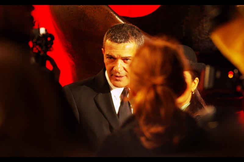 Antonio Banderas has been in lots of films, and is famous enough that there are seemingly almost always the heads of people in front of him.