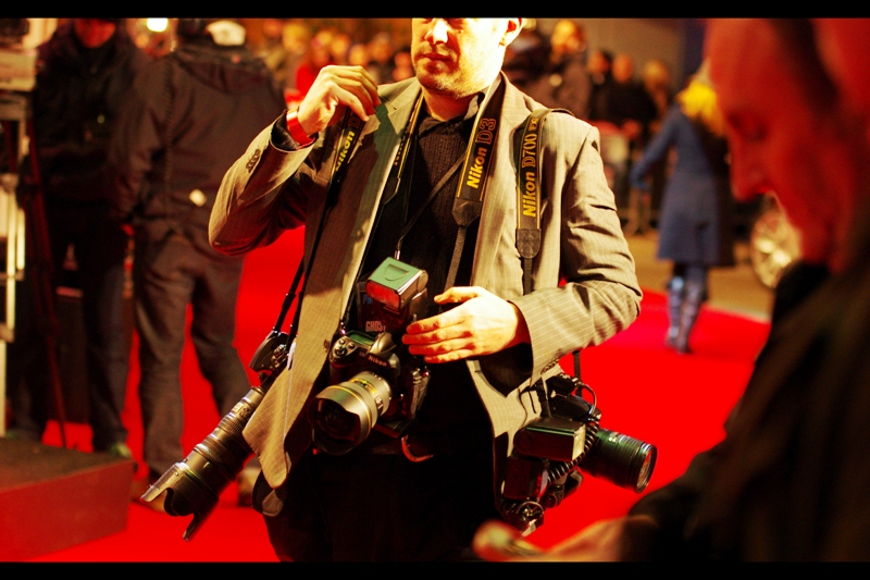 I am such a fan of schadenfreude that part of me would have loved to see this man having to take his LG mobile out of his pocket to take photos after not one but three DSLRs failed in unison. (Sorry dude, hope the premiere went well for you...)