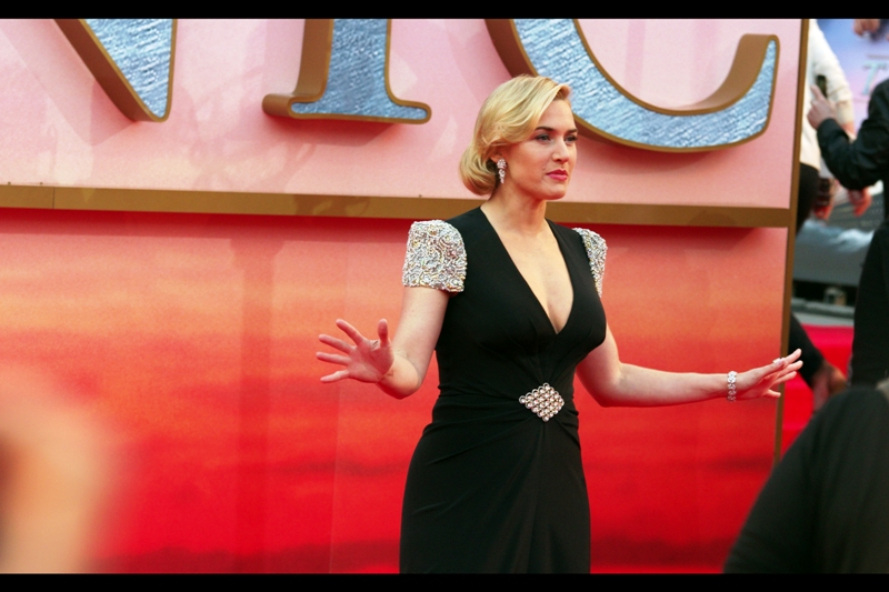 """Kate WAS in tha hizzouse, and now Kate gonna be outta the hizzouse. Peace, y'all""  Kate Winslet is so Gangsta. (Which is why it'll never work out between her and some dude with the surname 'Rocknroll', right?)"