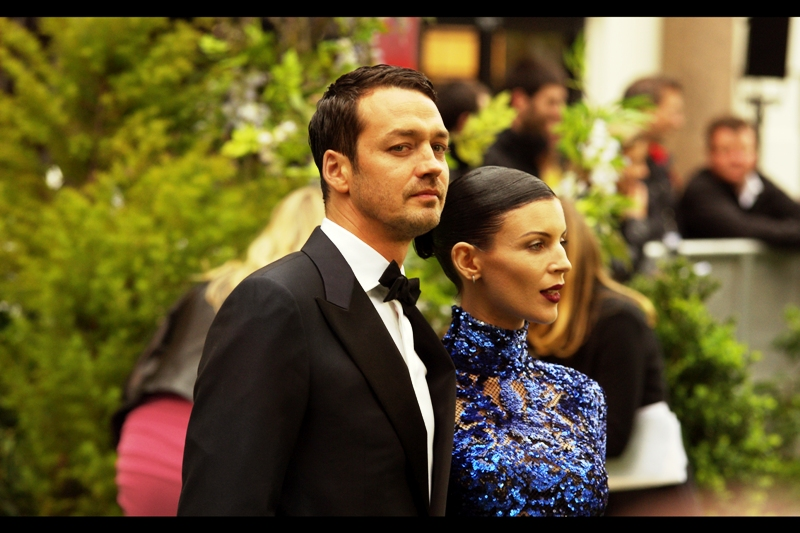 This is first time director Rupert Sanders, and in his first gig, he's directing the Norse God of Thunder, Bella from Twilight and an Academy Award winner Charlize Theron. Wow. That'd be like me photographing Charlize Theron and Will Smith (and Jason Bateman) at my very first premiere.  Which actually happened to me  . But I wasn't paid to do that.