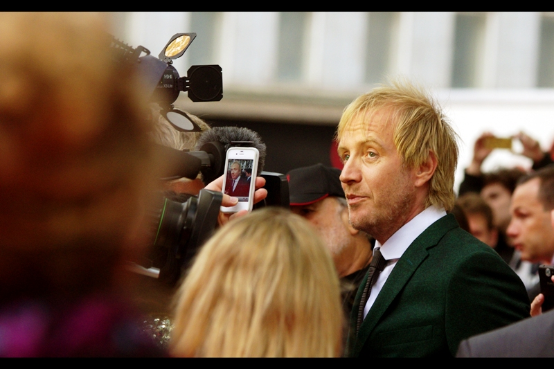 Rhys Ifans played Luna Lovegood's dad in the Harry Potter films, and is The Lizard in this film. He's also helpfully standing still so the cameraman can take the photo, upload it to facebook and see if Facebook auto-tags it.
