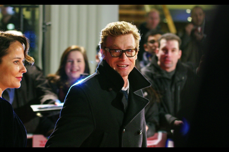 However, under duress, I will of course vouch for the awesomness of Simon Baker! Plus he's Australian, so there is that.