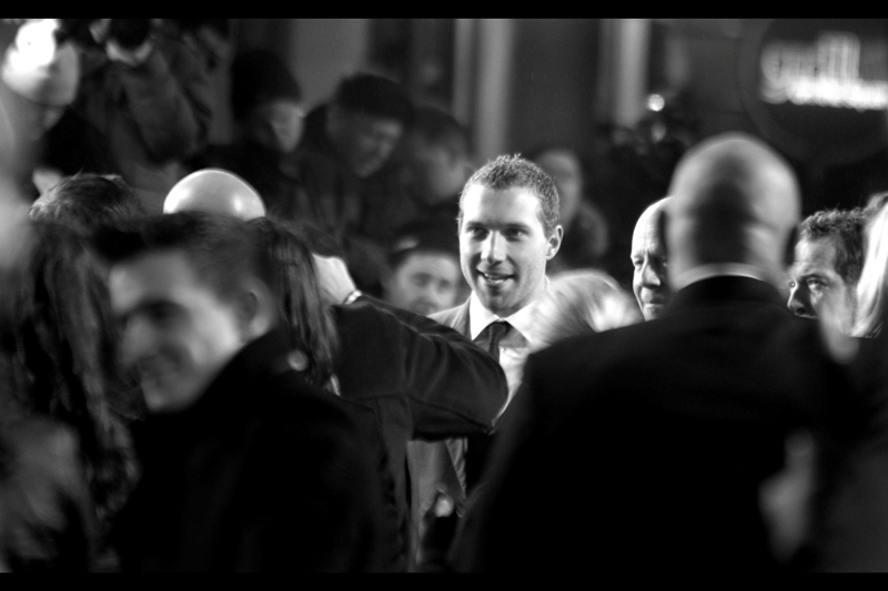 Jai Courtney is also better known for being in the recent series 'Spartacus'. Based on the photos I saw some autograph hunters/dealers holding, I'm thinking they might have been surprised to see him wearing a suit to this premiere.