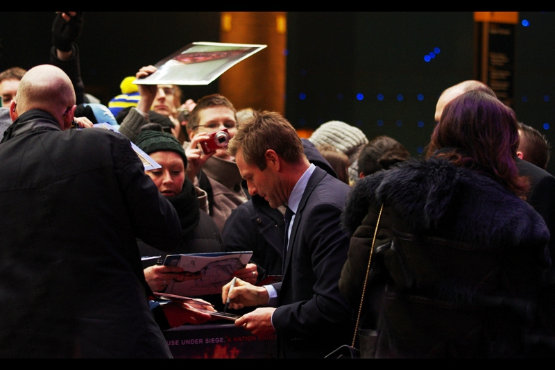 "First to arrive : Aaron Eckhart, who doesn't mind signing The Dark Knight stuff, and would probably be keel over with shock if you gave him something from ""Thank You For Smoking""."