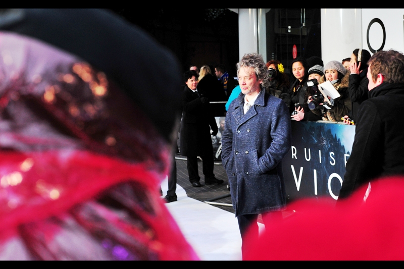Dexter Fletcher shows up to a premiere of a movie he's not in. That's actually true of 90% of premieres he shows up for (and only slightly less true of the premieres _I_ show up for).