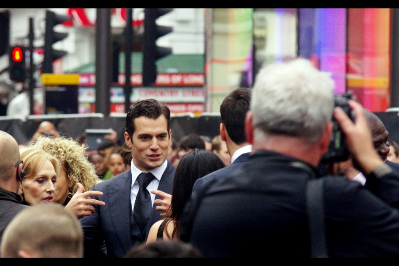 """Does Superman know any Gang Signs? Fo' shizzle he does!!""  Henry Cavill arrived early and immediately began signing autographs and mingling with fans. Kudos, good Sir."