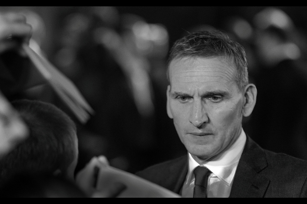 Christopher Ecclestone, still under the misapprehension that he's the bad guy in this film, signs some autographs. He'll always be Raymond Calitri from Gone in Sixty Seconds to me... but mainly because I don't watch Dr Who.