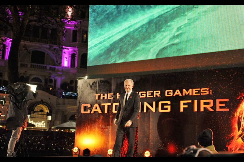 Francis Lawrence walks off a stage. Nobody mentions 'Constantine'.
