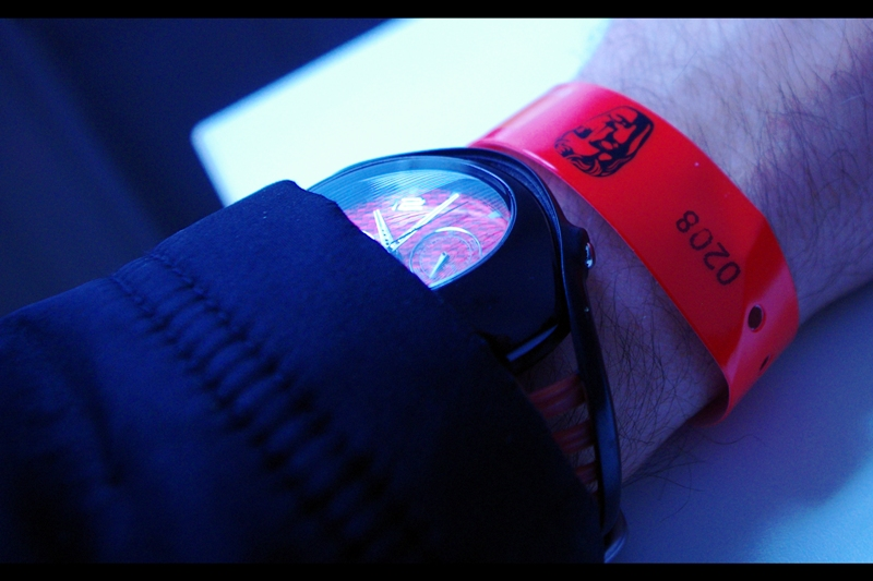 I got wristband #208 of … I don't know actually. But a 5:15am arrival meant not camping out and only developing mild chill. So it was three and a bit hours of queueing, then four hours break to have lunch and regain my core body temperature, and then returning once again.