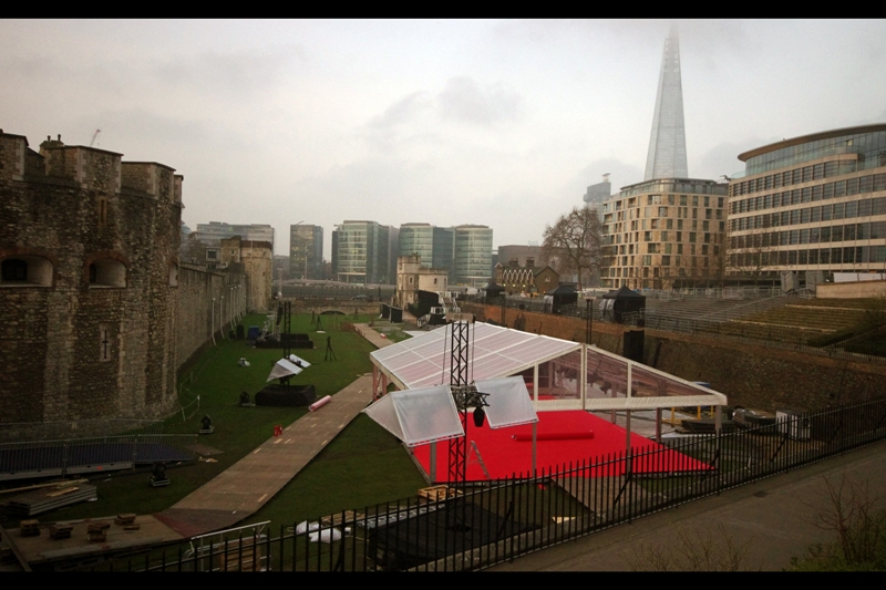 "The venue for the World Premiere of the 5th Season of ""Game of Thrones""? The Tower of London, in ermm.... London. I dropped by before work just to see the layout. It looked suitably impressive."
