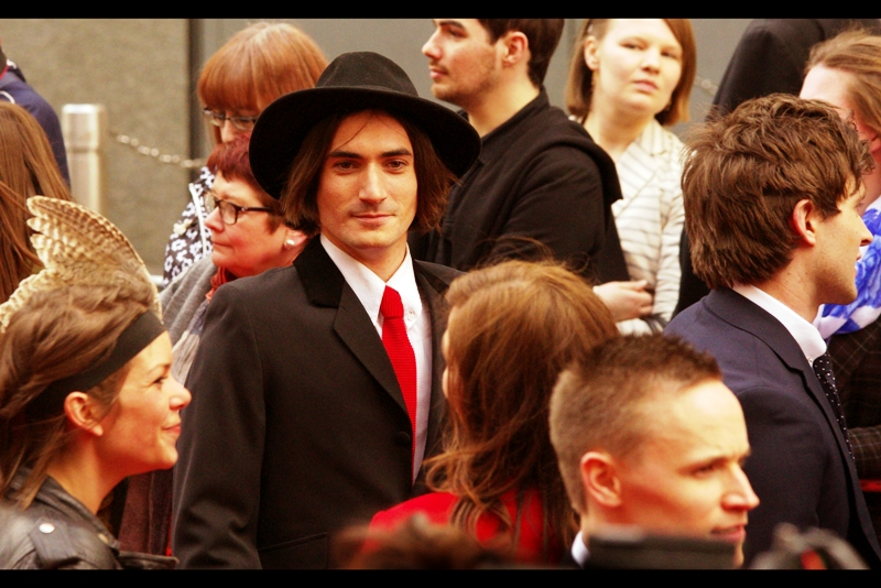 """I am a man with a hat""  says this man, without saying a word. (Now THAT'S acting) (and lo, George Maguire did win : he won a best supporting actor in a Musical award on the night.... it's all in the hat, people) (and the talent)."