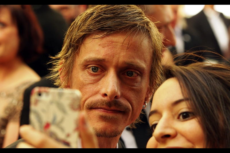 I know this is Mackenzie Crook because other than possibly being on television, he's better known as being the pirate with the wooden eye in the Pirates of the Caribbean films.