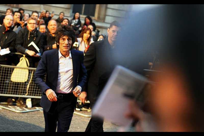 A second Rolling Stone strolls up, and in contrast to Keith, Ronnie Wood did sign a few autographs, albeit for undeserving 'fans' who'd cheerfully leverage their own relatives' kidneys or trample into a disabled pen for his signature.
