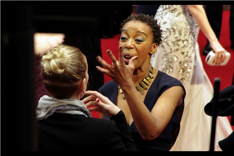 """I don't need dialogue, Barbara. I got five fingers right here.....""  (edited to add, with great thanks to wireimage (and the ability to cut-and-paste) this is Noma Dumezweni. Not to be mistaken for anyone else with the same name)"