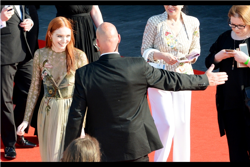 """You're pretty cool, but you've been hanging around that Littlefinger guy for far too long. Stay cool, Sophie Turner.""  - (with thanks to the correction from  AMY , edited to add : she's Eleanor Tomlinson, and not Sophie Turner from Game of Thrones)"