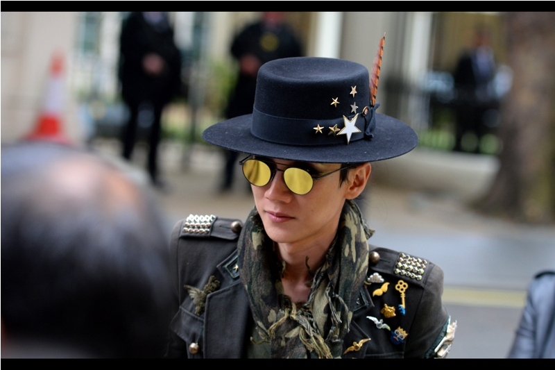 She wasn't part of the premiere proceedings (they were still about half an hour away at this point), but you can't deny the awesomeness of the hat, the glasses, and the pseudomilitary uniform and scarf. I kinda wish I'd thought of it - I was in regulation jeans, t-shirt and leather jacket for this premiere