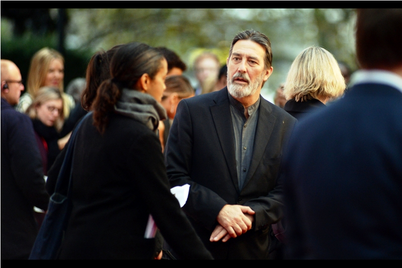 """What do you mean you don't watch Game of Thrones? Everyone watches it. Have you at least watched 'Frozen'? I swear I was in that""  - Ciaran Hinds was also in Munich, Road to Perdition, and There Will Be Blood - none of which I can place him in. He was in  'The Woman in Black',  though."