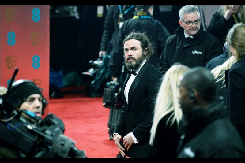 Looks like somebody still owes somebody five dollars from that high-stakes poker game he's conveneintly forgotten about - actor Casey Affleck