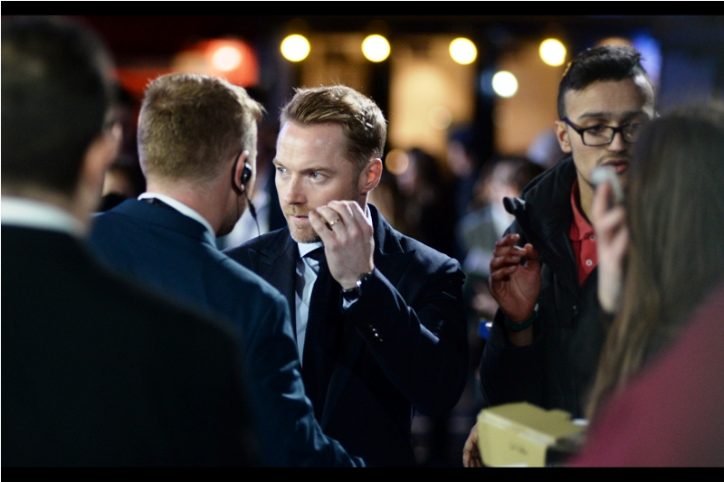 """I think they think I'm actor Ewan MacGregor. What do I do? I signed their Star Wars merchandise....."""