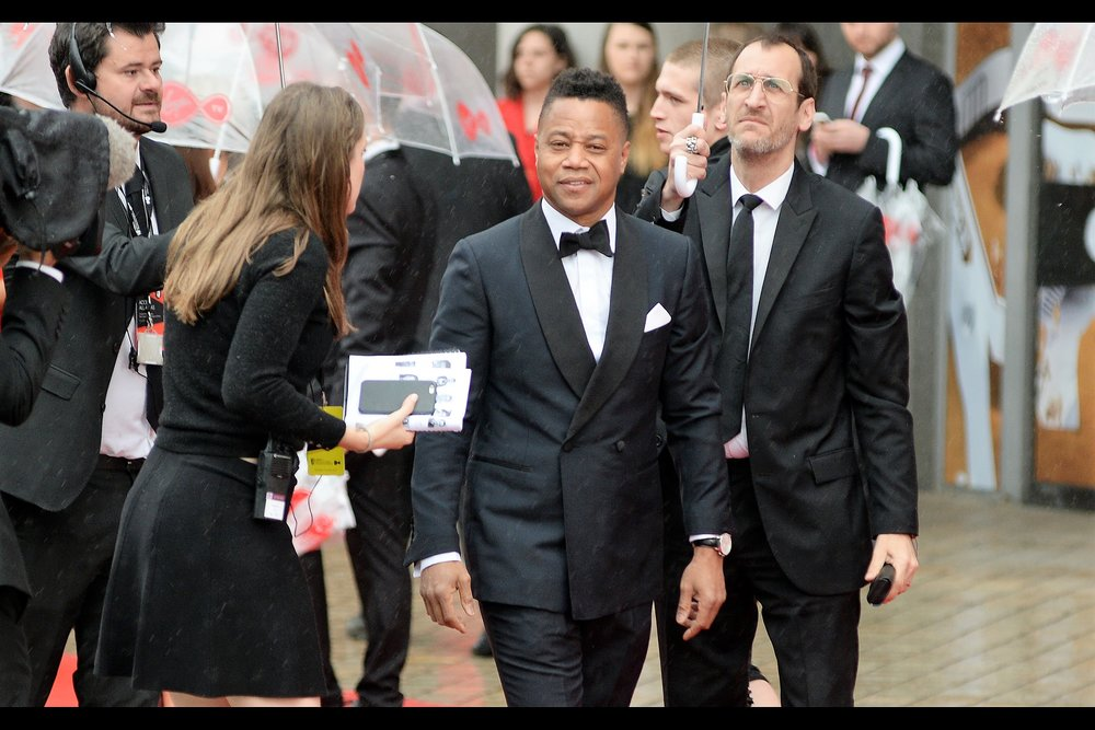 """Hey aren't you that guy from premieres.co?"" Cuba Gooding Jnr probably didn't ask that, but at the distance I was shooting, it's not entirely certain that he didn't. (edited to add : he accepted the award for The People vs OJ Simpson, which won for 'International' on the night)"