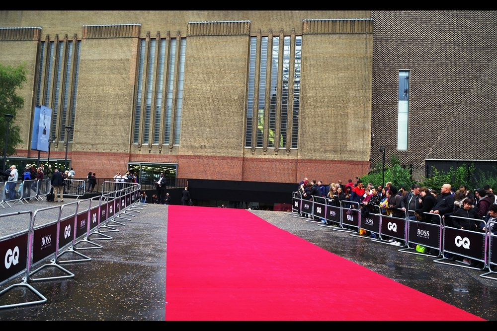 Prior to these GQs, all other GQ Awards I'd photographed had been at the Royal Opera House vaguely over there (indicates across the river). This venue - the Tate Modern - is considerably larger, and somewhat less intimate.  (Given the number of autograph dealers in the pen on the right, this is probably preferable.)